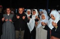 BÜLENT TURAN - Çanakkaleli Umreciler Dualarla Karşılandı