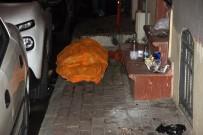 KOCAMUSTAFAPAŞA - Fatih'te Kaldırımda Erkek Cesedi Bulundu