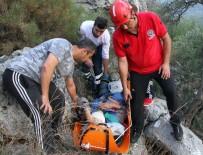 MURAT TÜRKMEN - Zeytin Ağacından Kayalıklara Düşen Vatandaş 4 Saatte Kurtarıldı