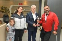MUSTAFA BOZBEY - İstanbul Maratonu'ndan Nilüfer'e Kupa Geldi