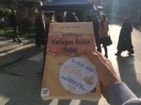 İBRAHIM YıLMAZ - AK Gençler 'Kitap Okumaya Ne Dersin?' Diyerek 500 Kitap Dağıttı