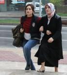 KADIN ÖĞRETMEN - Alanya'da FETÖ'den Aranan Kadın Öğretmen Balıkesir'de Yakalandı