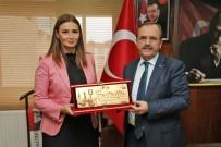 AYRI DEVLET - Azeri Milletvekili Paşayeva'nın Başkan Şahin'den İsim Talebi