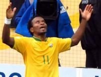 BAYER LEVERKUSEN - Brezilyalı Ze Roberto futbola veda etti