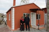 ARSLANBEY - Derme Çatma Barakada Yaşayan Aile Yeni Yuvasına Kavuştu