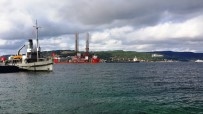 PANAMA - Dev Petrol Platformunu Taşıyan Gemi Boğaz'dan Geçti
