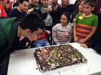 ENGELLİ ÇOCUK - Engelli Çocuklara Doğum Günü Kutlaması