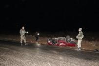 İki Araç Kafa Kafaya Çarpıştı Açıklaması 1 Ölü, 9 Yaralı