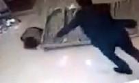 KÜÇÜK ÇOCUK - Otelde Üzerine Çelik Platform Düşen Çocuk Yaralandı
