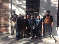 KÖŞE YAZARı - Usta Köşe Yazarı Ve Tiyatro Eleştirmenlerinden Bilecik Gezisi