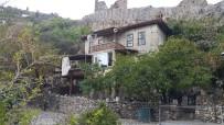 KATKI PAYI - Alanya'da Tarihi Evlerin Restorasyon Çalışmaları Devam Ediyor