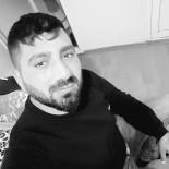UNKAPANı - Bıçaklı Saldırıya Uğrayan Genç Hayatını Kaybetti