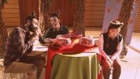 MUSTAFA ÖZER - Çadır Tiyatrosu Buca'da Dolaşmaya Devam Ediyor