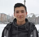 BUZ KÜTLESİ - Kafasına Buz Kütlesi Düşen Lise Öğrencisi Taburcu Edildi