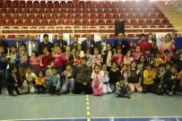 10 KASıM - Satranç Turnuvasının Şampiyonları Madalyalarını Aldı