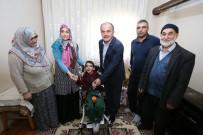 SEREBRAL PALSİ HASTASI - Başkan Gürlesin, 9 Yaşındaki Furkan'ın Yüzünü Güldürdü