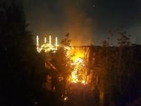 AHŞAP EV - Tarihi Sobacılar Çarşısı'nda Yangın Paniği
