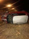 AŞIRI HIZ - Yoldan Çıkan Otomobil Takla Attı Açıklaması 2 Yaralı