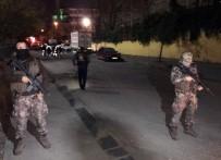 ÖZEL HAREKAT POLİSLERİ - Bağcılar'da Okul Önünde Silahlı Çatışma