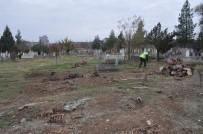 MEZAR TAŞI - Batman'da Deforme Olmuş Mezarlar Yenileniyor