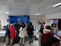 İBRAHİM ATEŞ - Biga'da Öğrenciler Makine Standını Gezdi