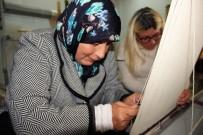AİLE DANIŞMA MERKEZİ - Elazığ'da Hastalar Halı Kursu İle Hem Meslek Öğreniyor, Hem Terapi Görüyor