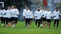 METİN OKTAY - Galatasaray, Derbi Hazırlıklarını Sürdürdü