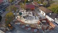 İSHAKÇELEBI - İshakçelebi Mahallesinde Meydan Düzenlemesi Devam Ediyor