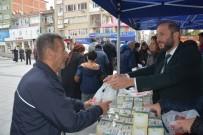 ZINCIRLIKUYU - İzmit Belediyesi Kandil Simidi Dağıttı