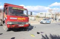HAMIDIYE - Karaman'da Trafik Kazası Açıklaması 1 Yaralı