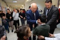 AKÜLÜ SANDALYE - Özel Çocuklardan Başkan Yaşar'a Sevgi Seli