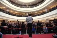 RESUL DİNDAR - Resul Dindar, Erzurum MNG'de Hayranları İle Buluştu