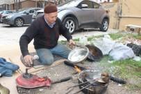 KALAYCILIK - Şehir Şehir Gezerek Kalaycılık Yapıyor