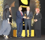 Sosyal Belediyeciliğin 'Altın Karınca'sı Zeytinburnu'nun Oldu