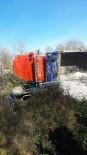 YENIKENT - Tarım Aracı İle Kamyon Çarpıştı Açıklaması 1 Yaralı