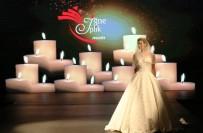 ÇAĞLA ŞİKEL - Antalya'da 'Aşk' Temalı Gelinlik Defilesi