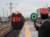 AZERBAYCAN CUMHURBAŞKANI - Demir İpek Yolunda İlk Tren 10 Saat Erken Geldi