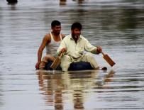 MUSON YAĞMURLARı - Muson yağmurları can aldı: 12 ölü