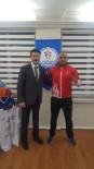 MİLLİ GÜREŞÇİ - Madalyalı Güreşçi Günbey, Müdür Öçalmaz'ı Ziyaret Etti