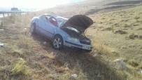 SIVAS CUMHURIYET ÜNIVERSITESI - Sivas'ta Trafik Kazası 4 Yaralı.