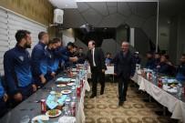 SELÇUK COŞKUN - Vali Pehlivan, Bayburt Grup Özel İdare Futbolcularını Akşam Yemeğinde Ağırladı