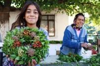 YEŞILDERE - Avrupa'nın Kapı Ve Duvarlarını Antalyalı Kadınlar Süslüyor