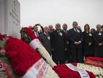 BAĞIMSIZ MİLLETVEKİLİ - Bülent Ecevit vefatının 11'inci yılında mezarı başında anıldı