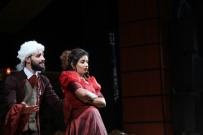 ŞEHIR TIYATROLARı - 'Cimri' Adlı Tiyatro Oyunu Sergilendi