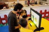 GÖLGE OYUNU - Çocuklar Karagöz Ve Hacivat İle Doyasıya Eğleniyor