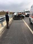 AŞIRI HIZ - Gediz'de  Trafik Kazası Açıklaması 1 Ölü 3 Yaralı