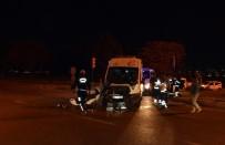 TÜPRAŞ - İzmir'de Hasta Taşıyan Ambulans İle Tır Çarpıştı