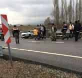 AŞIRI HIZ - Kütahya'daki Trafik Kazasında Ölü Sayısı 2'Ye Yükseldi