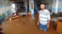 MUSTAFA ÇETIN - Mersin'de Şiddetli Yağış Hayatı Felç Etti