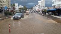 KıZKALESI - Mersin'de Yağışlar Sele Neden Oldu